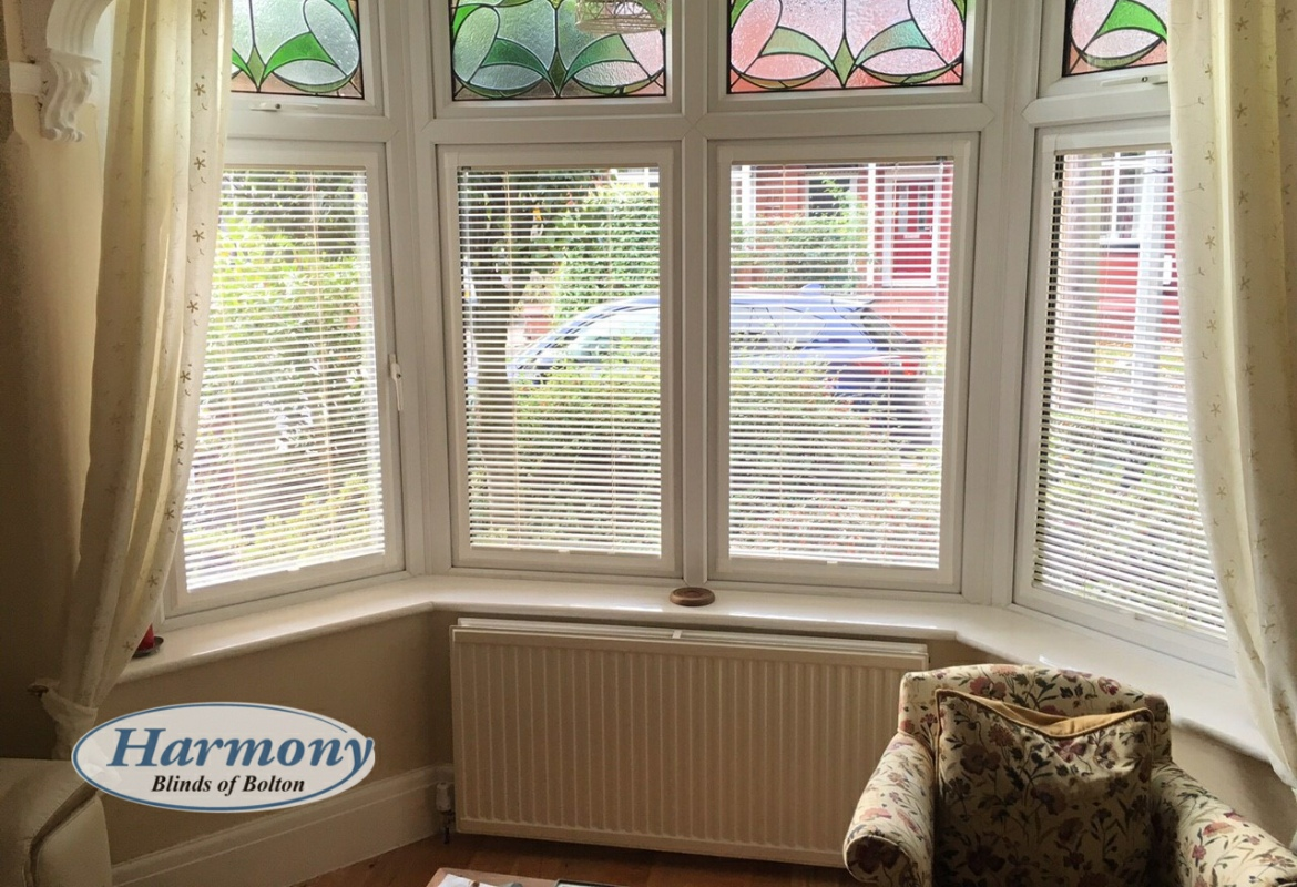 Cafe Style Perfect Fit Blinds In A Bay Window Harmony Blinds