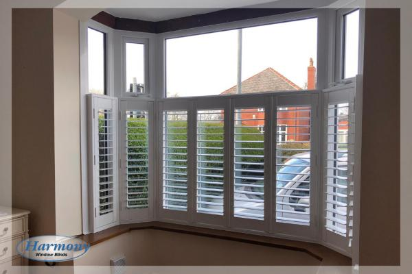 Cafe Style Shutters in 5 Panel Bay Window