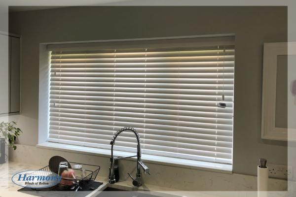Fresh Wooden Blinds for a Kitchen