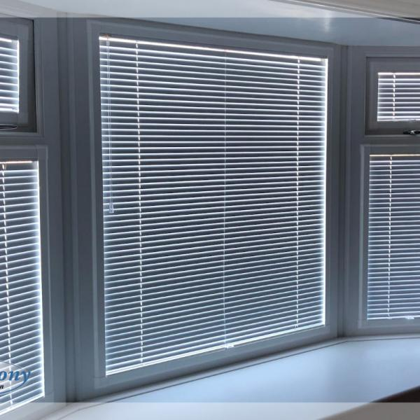 Perfect Fit Venetian Blinds in a Bay Window