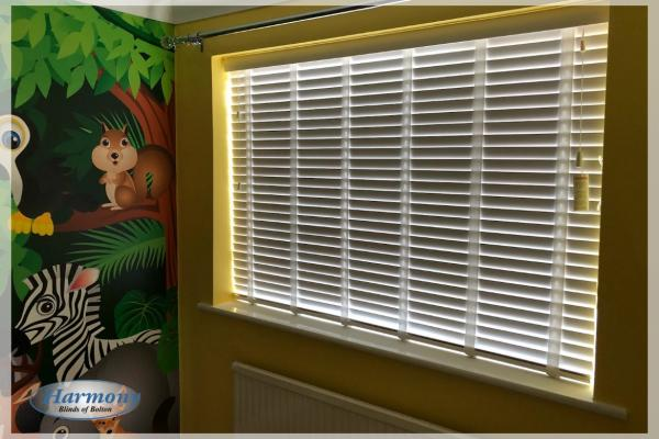Taped Wooden Blinds in a Jungle Theme Children's Bedroom