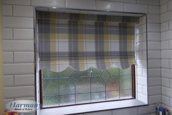 Tartan Patterned Roller Blind with Shaped Edge
