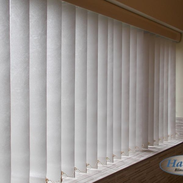 Vertical Blind with Fitted Pelmet